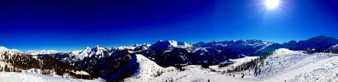 Panorama von Alpen-Bergen Lizenzfreie Stockfotografie