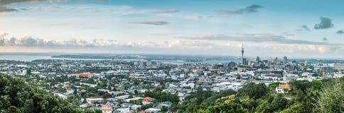 Panorama von Auckland-Stadt und von Auckland-Hafen Stockfotos