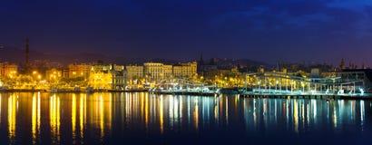 Panorama von Barcelona vom Hafen Vell Stockfotografie