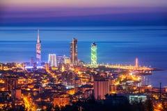 Panorama von Batumi-Stadt, Georgia, belichtet auf Sonnenuntergang Lizenzfreie Stockfotografie