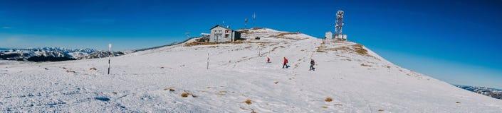 Panorama von Berghängen Stockfoto