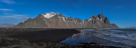 Panorama von Berglandschaft in Island Stockfotografie