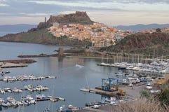 Panorama von Bosa-Stadt im Herbst in Sardinien Lizenzfreies Stockbild