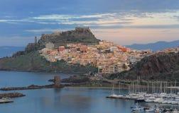 Panorama von Bosa-Stadt im Herbst in Sardinien Lizenzfreie Stockbilder