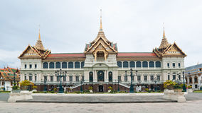 Panorama von Chakri Maha Prasat Hall Lizenzfreies Stockfoto