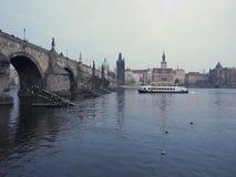 Panorama von Charles-Brücke, Prag, Tschechische Republik stock footage