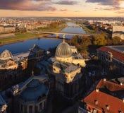 Panorama von Dresden-Quintal Teil und Elbe im Sonnenuntergang Lizenzfreie Stockfotos