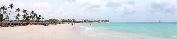 Panorama von Druif-Strand auf Aruba-Insel Lizenzfreies Stockfoto