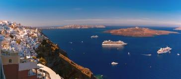 Panorama von Fira, Santorini, Griechenland lizenzfreies stockbild