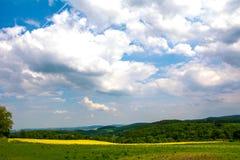 Panorama von Grünfeldern von der Spitze des Schlosses Bolkow Polen Stockfoto