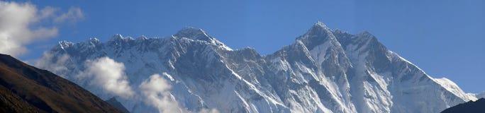Panorama von Himalaja Lizenzfreie Stockfotos
