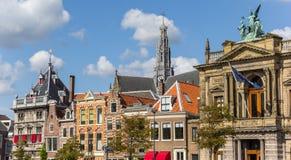 Panorama von historischen Gebäuden in Haarlem Lizenzfreie Stockfotos