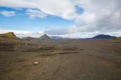 Panorama von isländischen Bergen Lizenzfreie Stockfotografie