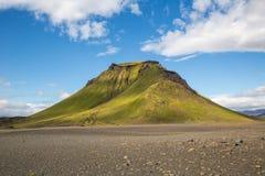 Panorama von isländischen Bergen Stockfoto