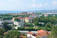 Panorama von Kirish-Vorort von Kemer in der Türkei Stockfotografie