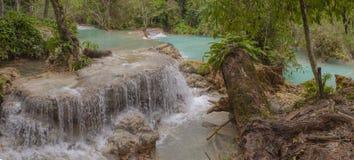 Panorama von Kuang Si-Wasserfall Lizenzfreies Stockfoto