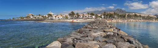 Panorama von Las Amerika setzen am 23. Februar 2016 in Adeje, Teneriffa, Spanien auf den Strand Stockbild
