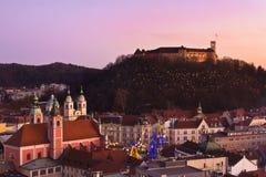 Panorama von Ljubljana an der Dämmerung. Lizenzfreie Stockbilder