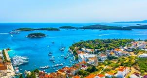 Panorama von Paklnski-Inseln in Kroatien stockbild