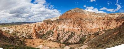 Panorama von Rosen-Tal nahe Goreme, die Türkei lizenzfreie stockbilder