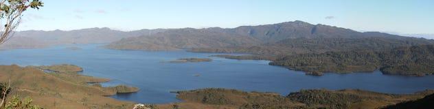 Panorama von See Pedder Stockbilder