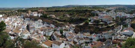 Panorama von Setenil de las Bodegas spanien Stockfotos