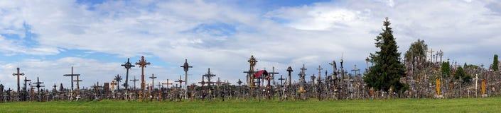 Panorama von Siauliai, Hügel von Kreuzen in Litauen Lizenzfreie Stockfotos