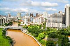 Panorama von Singapur an einem sonnigen Tag Stockfotografie