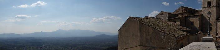 Panorama von Veroli von der Kathedrale Sant 'Andrea, nahe der Abtei von Casamari stockbilder