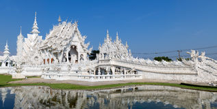 Panorama Wat Rongkun - der weiße Tempel in Chiangrai, Thailand Stockbild