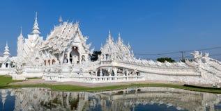 Panorama Wat Rongkun - le temple blanc dans Chiangrai, Thaïlande image stock