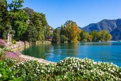 Panorama widok Lugano, g?ry i miasto Lugano jeziorni, Ticino kanton, Szwajcaria Sceniczny pi?kny Szwajcarski miasteczko z luksuse obrazy stock
