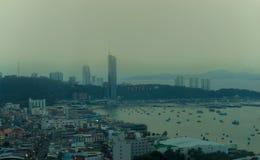 Panorama widok na śródmieściu Pattaya, Tajlandia przy zmierzchem fotografia stock