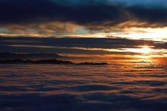 Panorama widok na morzu mgła przy zmierzchem Bern, Szwajcaria zdjęcie stock