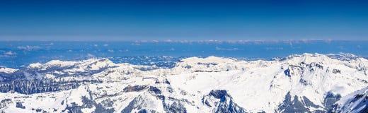 Panorama widok piękny Śnieżny Alps widok górski od Jungfrau Obrazy Stock