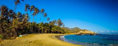 Panorama widok plażowy inTayrona park narodowy obraz stock