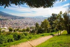 Panorama widzieć od Panecillo drewna Quito fotografia stock