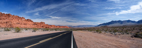 Panorama of a winding road, Nevada Royalty Free Stock Photos