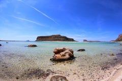 Panorama wyspy balos z wodą na słonecznym dniu obrazy stock