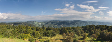 Panorama zadziwiająca lato gór wieś Zdjęcie Royalty Free
