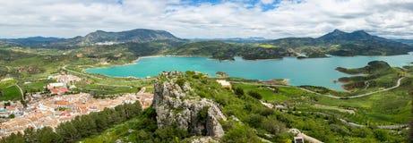 Panorama Zahara Andalucía imagen de archivo
