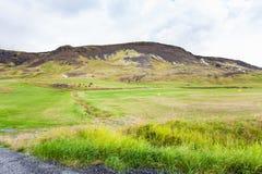 panorama zielona dolina w Hveragerdi w Iceland Zdjęcia Royalty Free