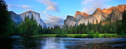 panorama zmierzch Yosemite Obrazy Stock