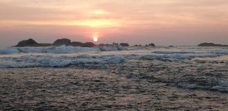 Panorama zmierzchu Hikkaduwa plaża, Sri Lanka zdjęcia royalty free