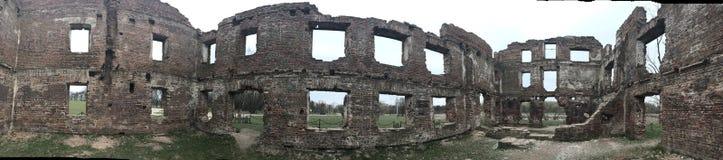 Panorama zniszczony kondygnacja budynek robić czerwona cegła Strzelać wśrodku budynku Zdjęcie Stock