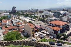 Panorama zur Stadt von Skopje von der Festung Kohlfestung in der alten Stadt, Republik von Stockfotos