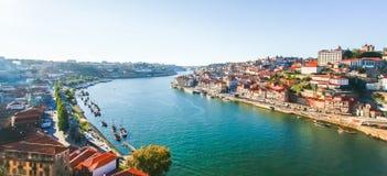 Panoramaansicht über den Duero-Fluss, Porto, Portugal Lizenzfreies Stockfoto