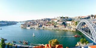 Panoramaansicht über den Duero-Fluss, Porto, Portugal Lizenzfreies Stockbild