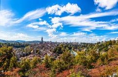 Panoramaansicht alter Stadt Berns von der Gebirgsspitze Stockfotografie
