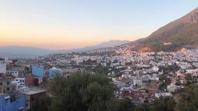 Panoramaansicht berühmter blauer alter Stadt Chefchaouen, Marokko Medinas stock footage